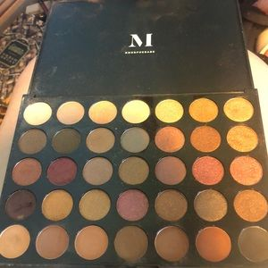 Morphe 35F fall into frost eyeshadow palette